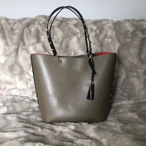 👜Vince Camuto Evie Tote. Open to offers 👜